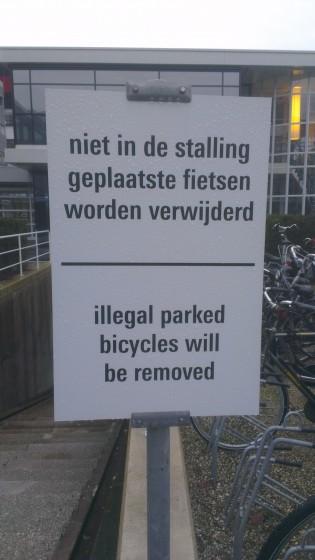 Illegale fietsen die geparkeerd staan zullen worden verwijderd.