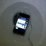 Het andere uiterste van een telefoon meenemen naar het toilet.